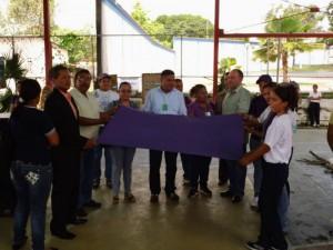 Se formalizó la entrega a la autoridades locales de la 'Bandera Cimarrona' que viene visitando los municipios de Estado Yaracuy desde el año pasado.