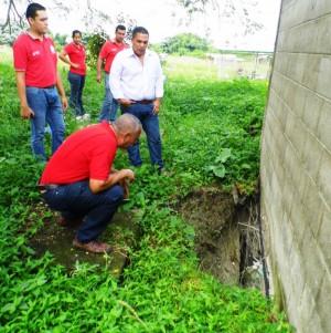 El alcalde Carlos Puerta indicó que ya se levantó un proyecto para lograr la construcción de gaviones en la pared perimetral del Cementerio Municipal.