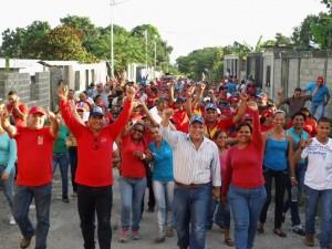 El alcalde Carlos Puerta y los candidatos del GPP visitaron el sector Los Sin Techo.