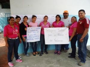 Víctor Jiménez coordinador escolar del Municipio junto a representantes del frente de trabajadores de la educación de Páez.