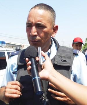 Oficial Jairo Mendoza, comandante de la Comisaría Páez