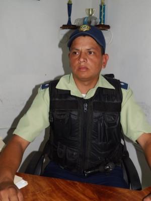 Oficial Juan González, director de Polipáez.
