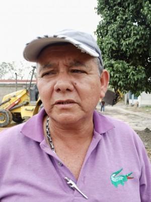 César Valles, vocero de servicios del Consejo Comunal Alexis Olmos.
