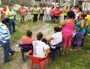 El alcalde Carlos Puerta sostuvo una asamblea con beneficiarios y comunidad en general del sector Aliché de Copa Redonda.