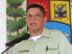 Oficial agregado Juan González, director de Polipáez