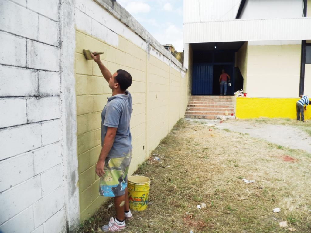 Alcalde carlos puerta inspecciona trabajos de for Piso exterior zulia